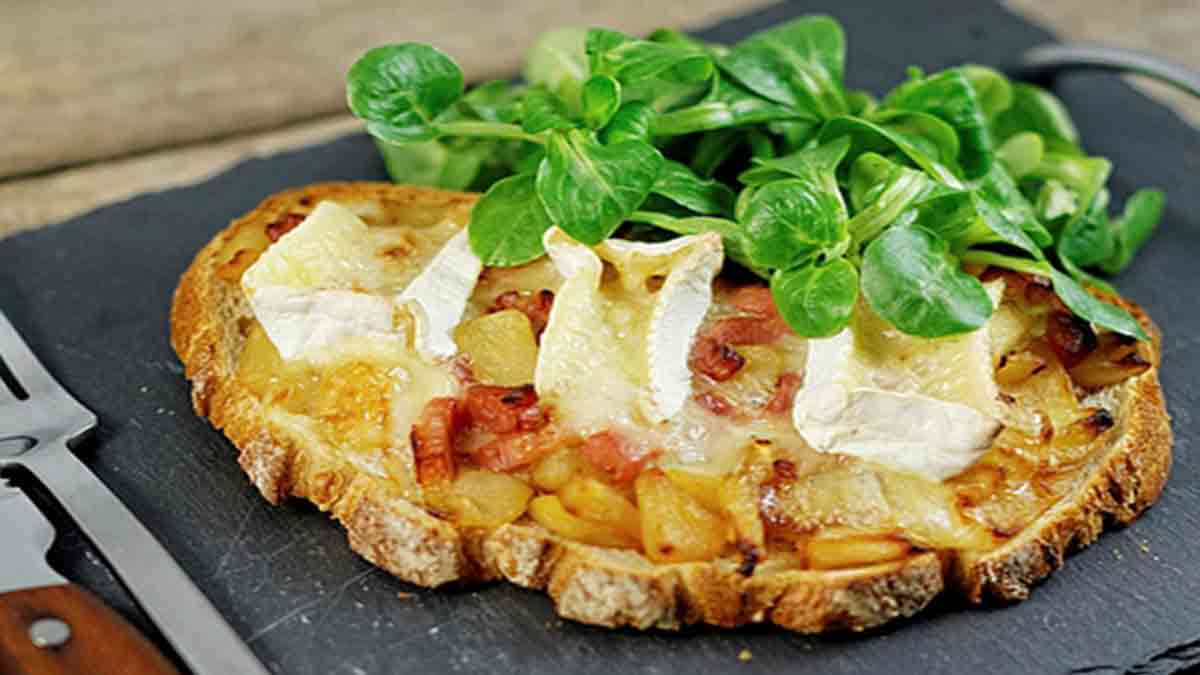 Tartines normandes pommes camembert